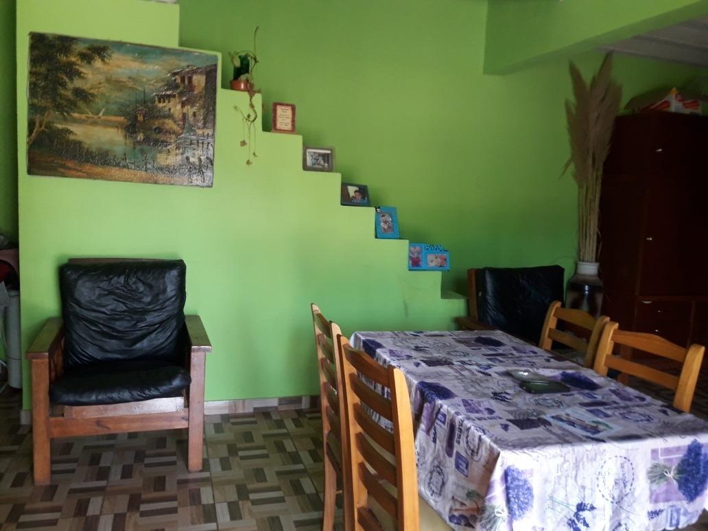casa tipo quinta de 3 ambientes con galeria,local cocina