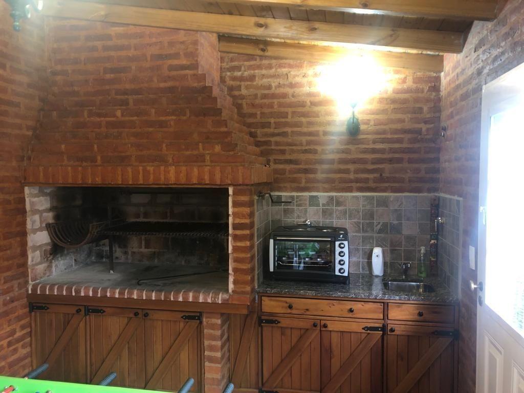 casa tres ambientes en excelente ubicacion