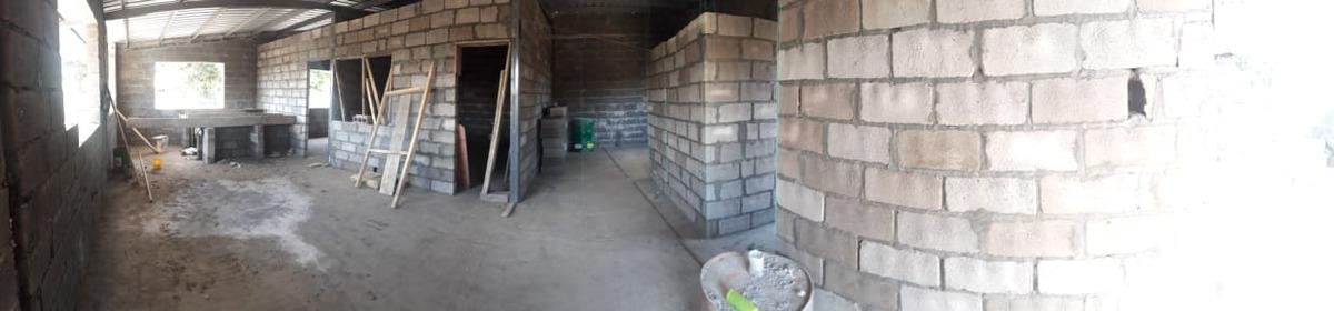 casa tres habitaciones y dos baños