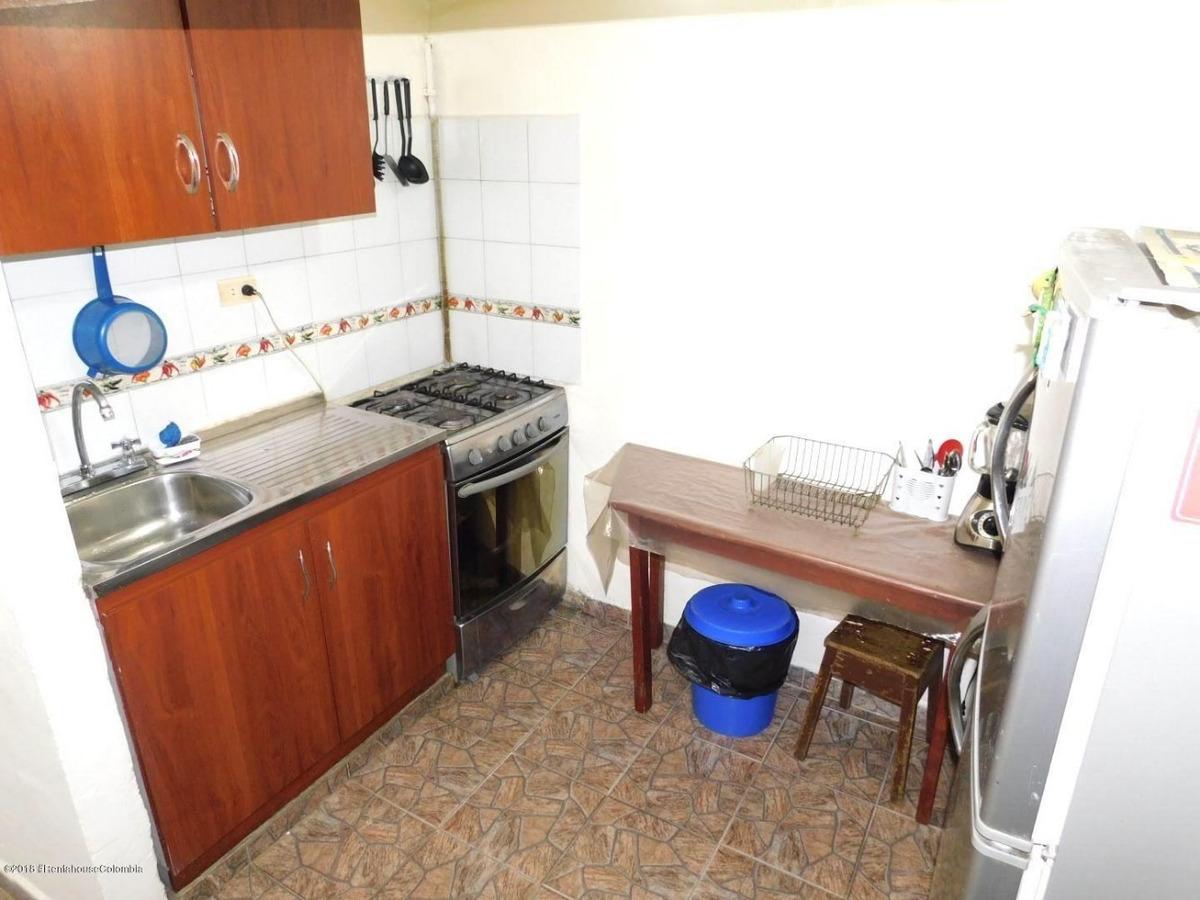 casa tres niveles en olarte mls 19-207 fr