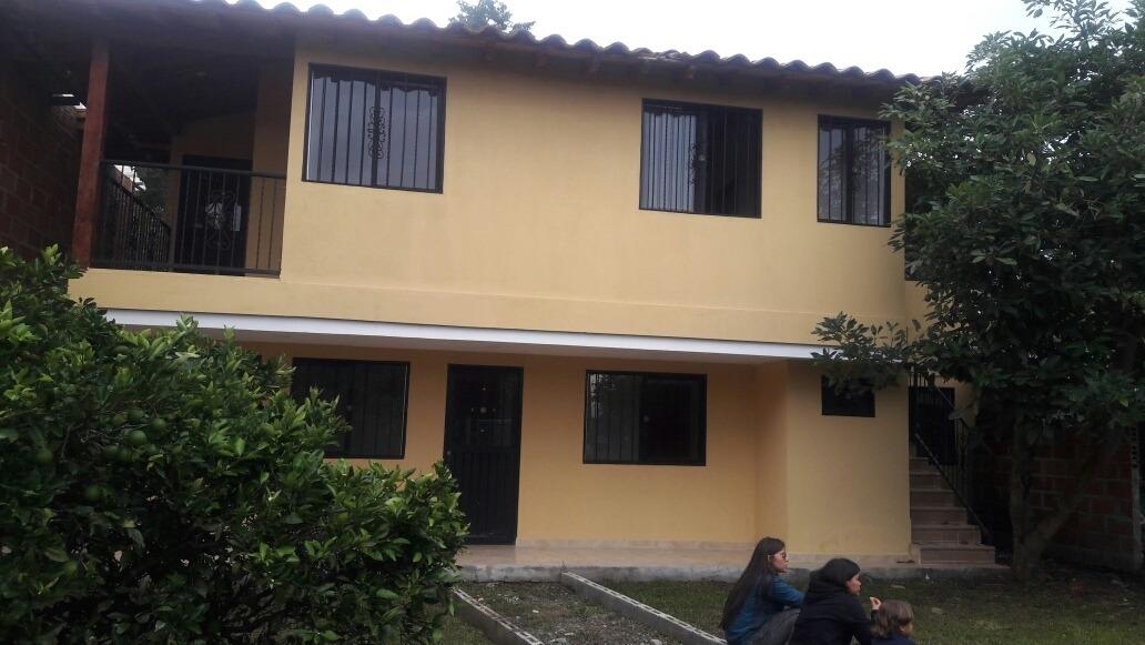 casa ubicada en belén marinilla antioquia.  dos apartamentos