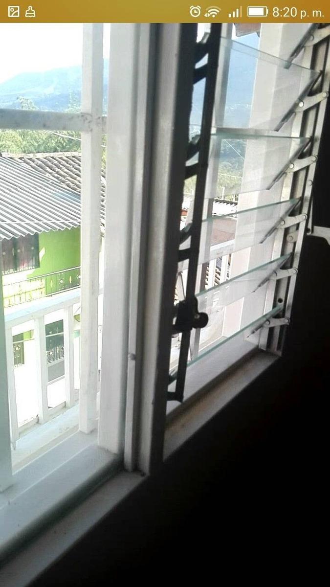 casa ubicada en el municipio de cocorna a 2 cuadras del parq