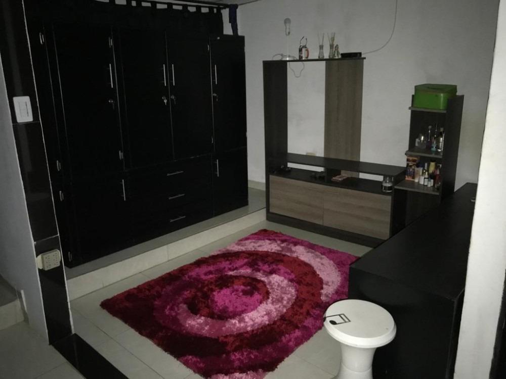 casa unifamiliar de 2 pisos esquine en perfectas condiciones