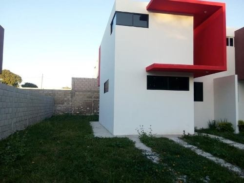 casa uso de suelo en renta loma linda