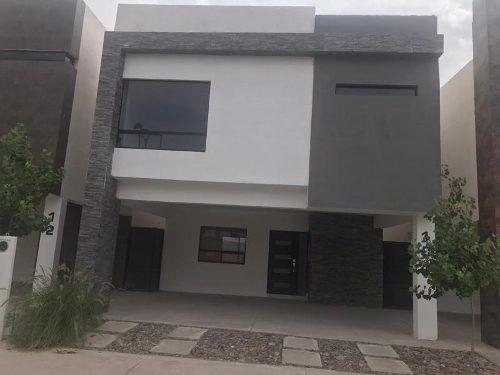 casa uso de suelo en venta villas del renacimiento
