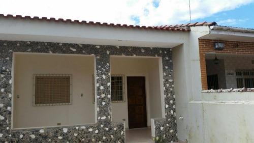 casa à venda a 300 metros da praia. ref. 479 e 218 cris