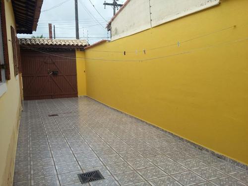 casa à venda a 400 metros da praia em itanhaém. 334