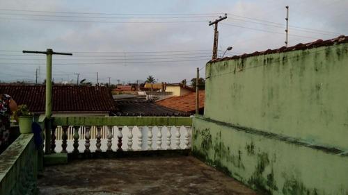 casa à venda a 600 metros do mar em itanhaém. 412/107