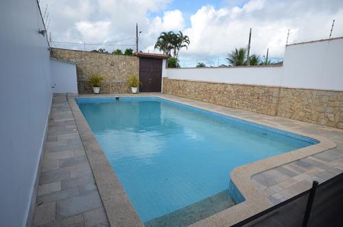 casa à venda com 600 m² de terreno a 200 metros da praia.486