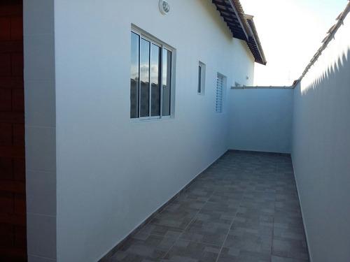 casa à venda com piscina a 600 m da praia em itanhaém. 341