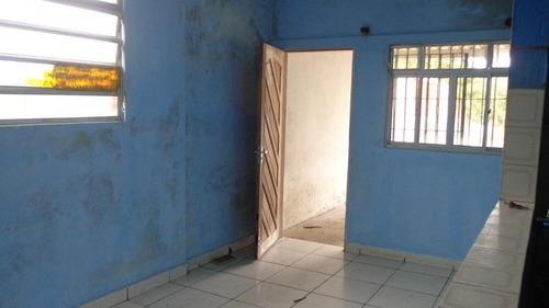 casa à venda em meio lote sem ser geminada. ref. 329 e 204