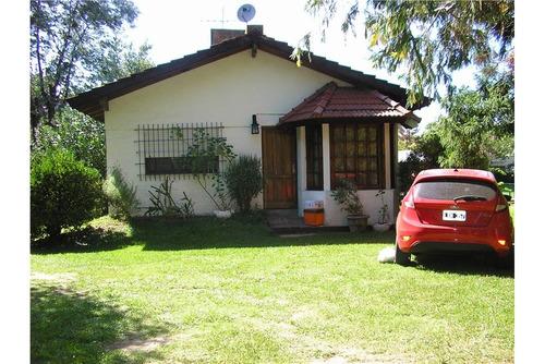 casa venta  2 dormitorios gran jardin y pileta!