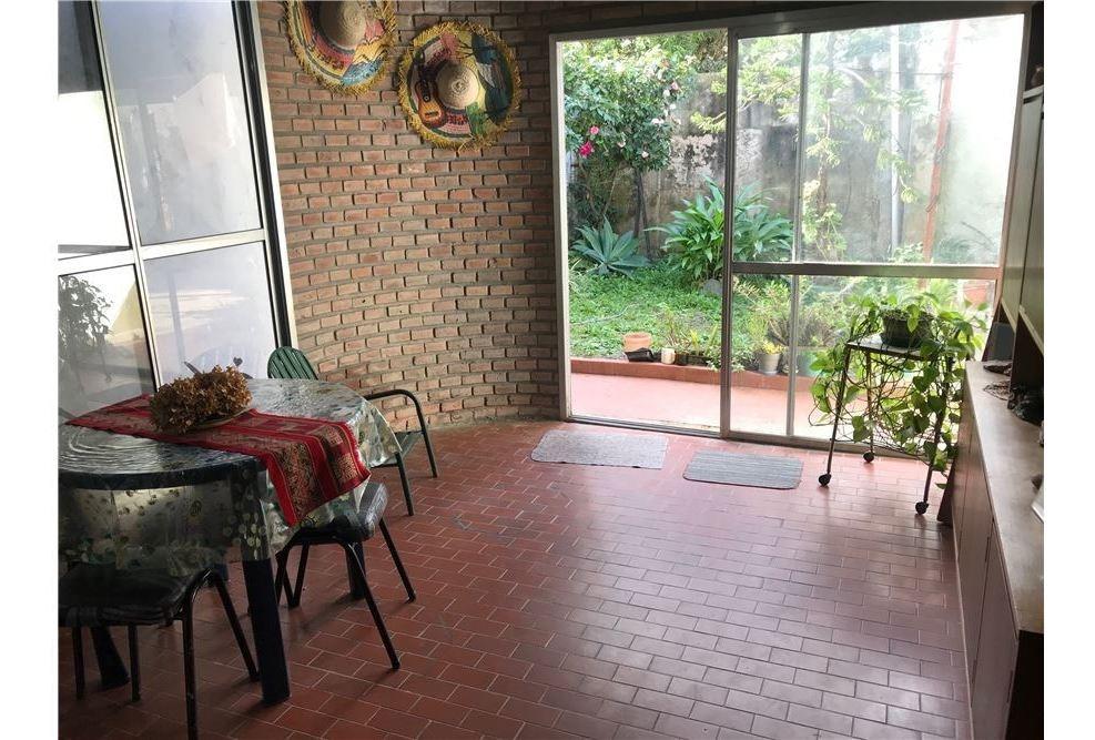 casa venta 3 ambientes villa ballester con jardin