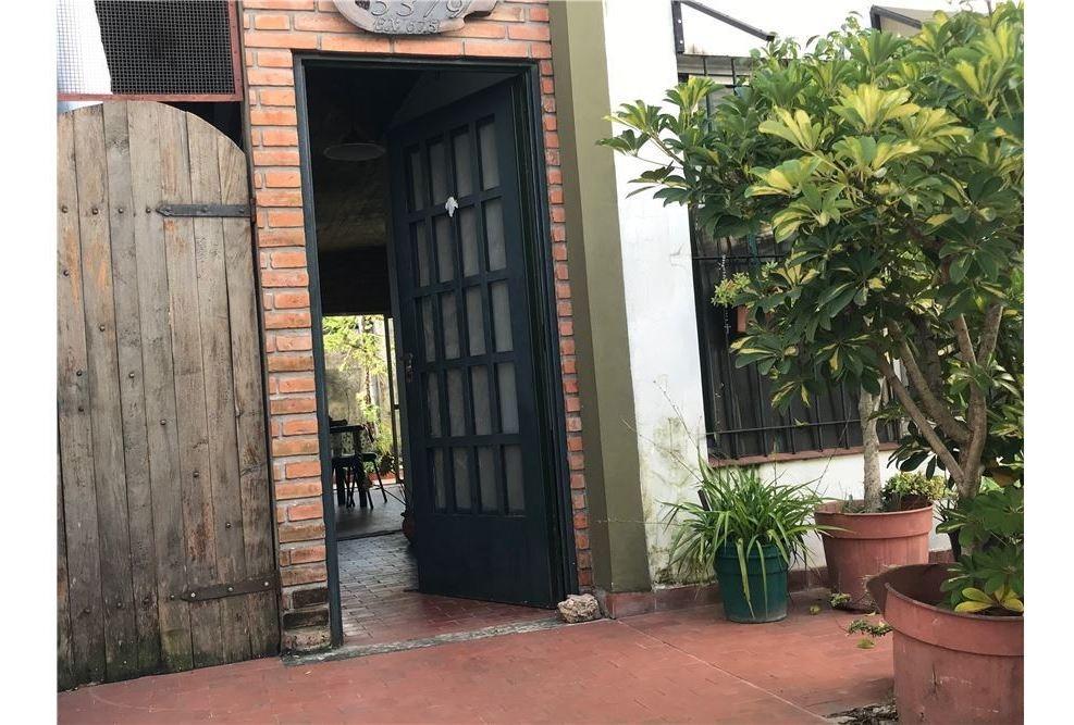 casa venta 3 ambientes villa ballester permuta