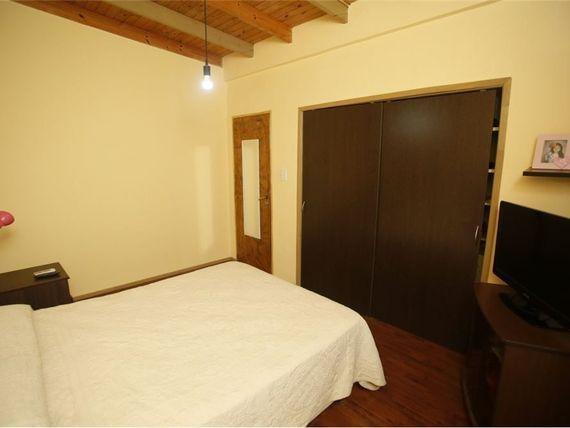 casa venta 3 dormitorios, 2 baños y cochera -lote 166 mts 2 y 115 mts 2 cubiertos- berisso