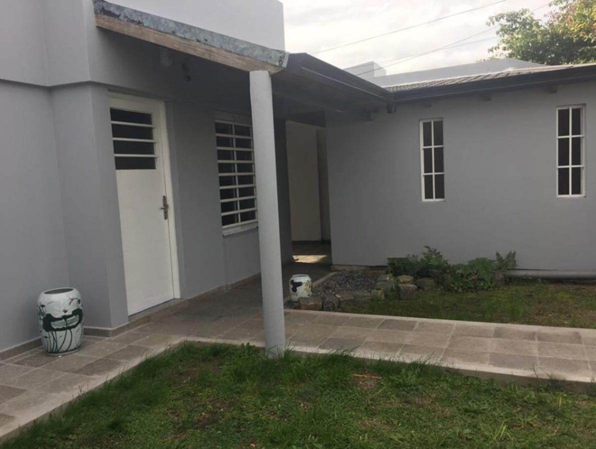 casa venta 3 dormitorios , 2 baños y lote 10 x 60 mts -600 mts 2-apta banco- josé hernández