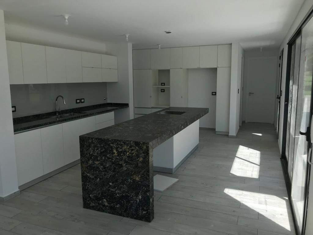 casa venta - 3 dormitorios - la arbolada - recibe menor - calidad premiun.
