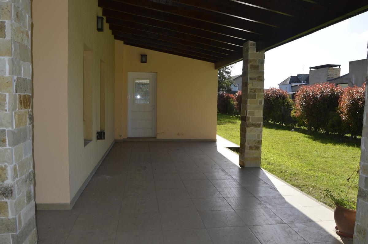 casa venta 4 ambientes canning barrio malibu