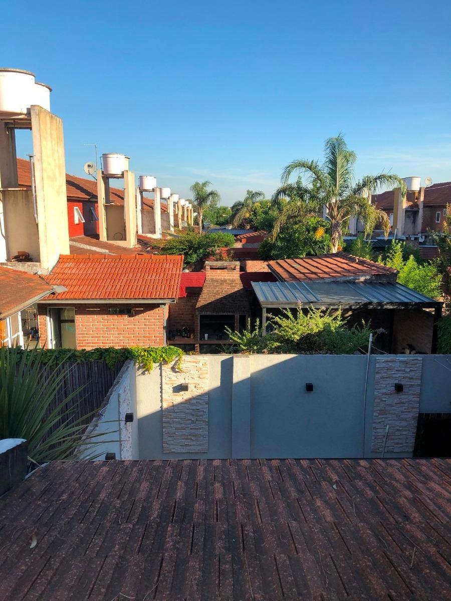 casa venta 5 ambientes ciudad evita barrio democracia pileta