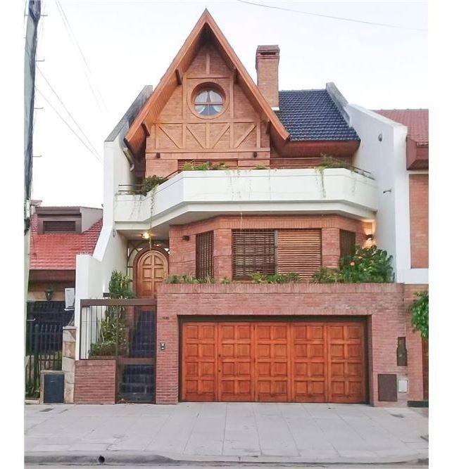 casa venta a 4 amb,patio, parrilla capital federal