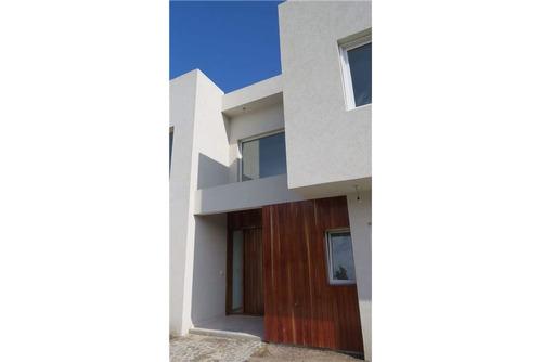 casa venta al lago,san isidro labrador,tigre,villanueva, 4 habitaciones, 270 mts cub, oeste