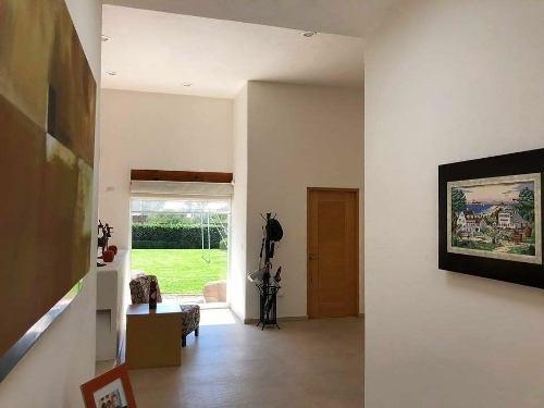 casa  venta al nor-poniente zona tec de monterrey