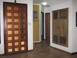 casa venta altos de guataparo valencia cod  20-2376 dam