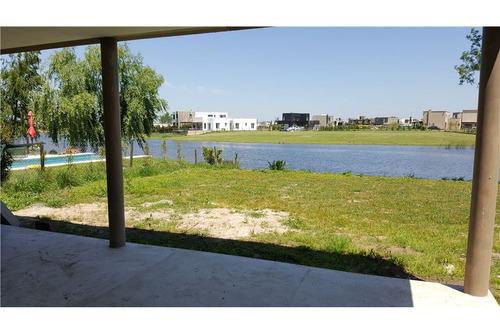 casa venta barrio san rafael a la laguna