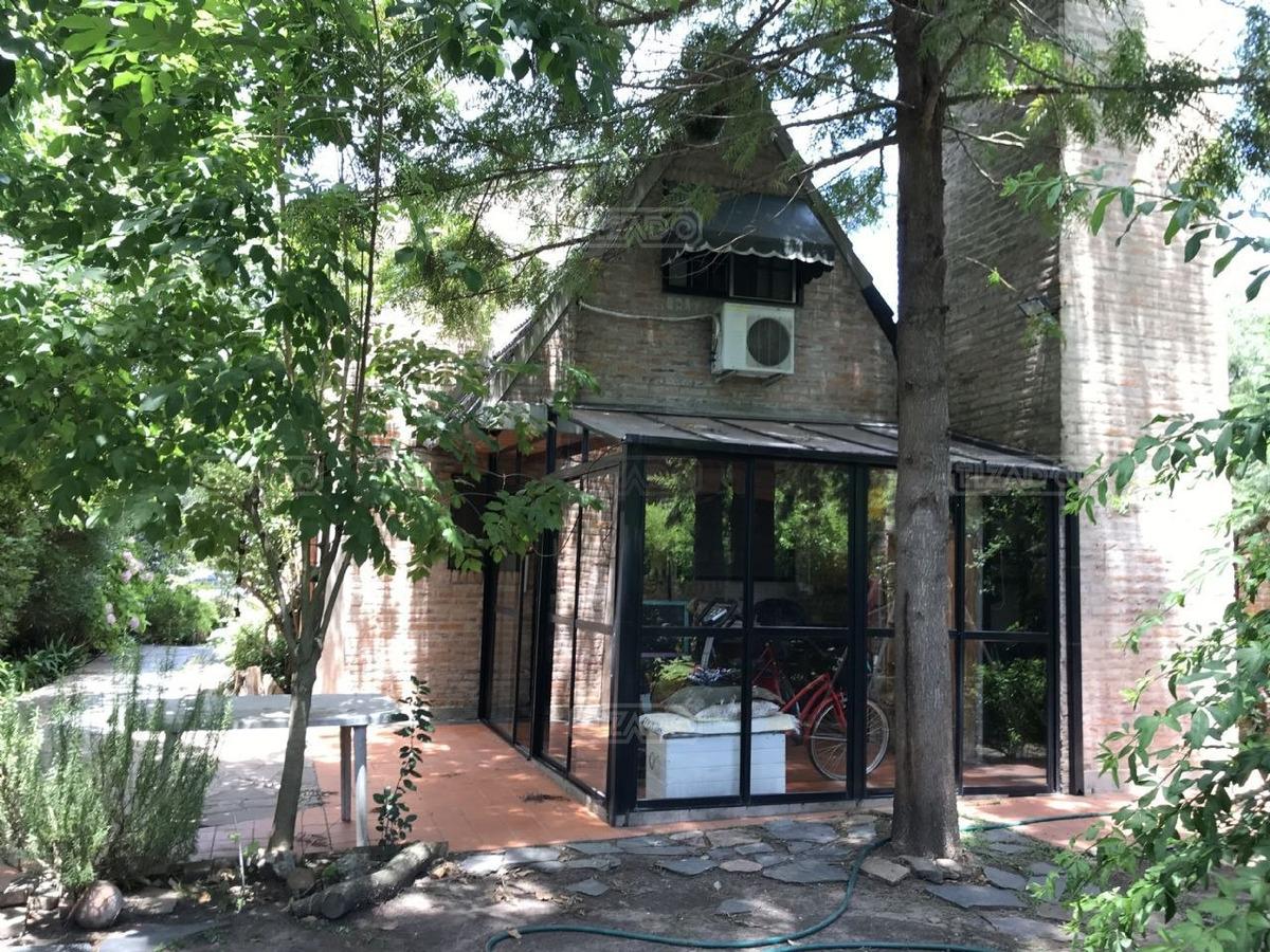 casa   venta   c.c. banco provincia, zona oeste