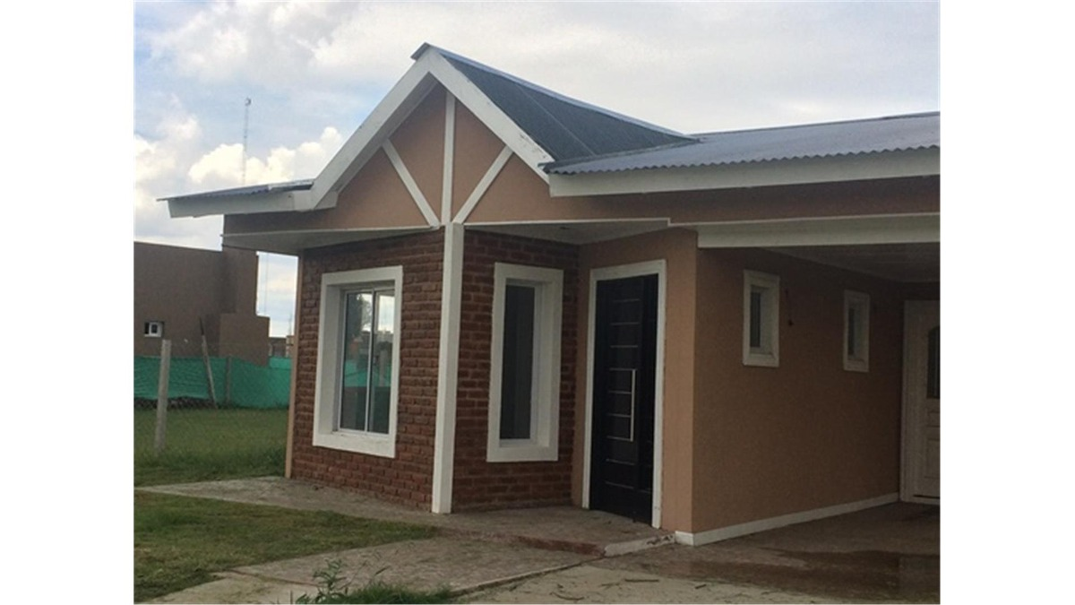 casa venta con renta hasta 2019 !    en san eduardo