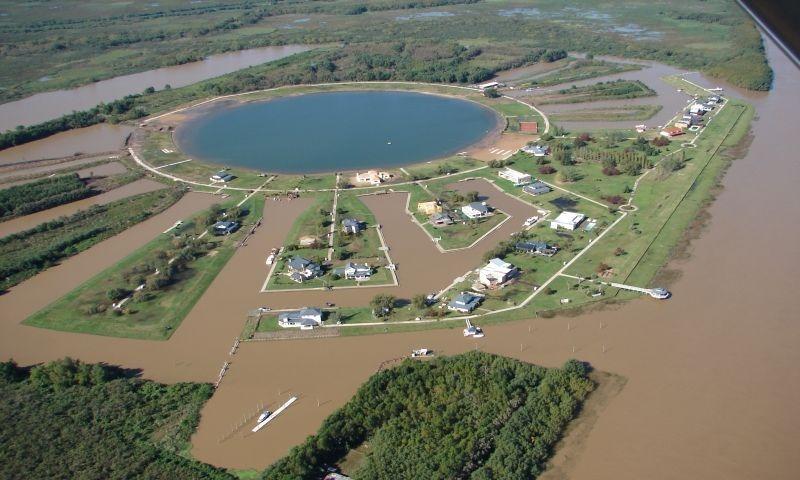 casa venta delta tigre - canal del este- isla del este lavan
