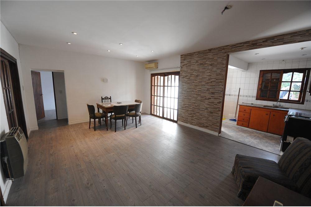 casa+venta+la plata+4dormitorios+parque+cochera
