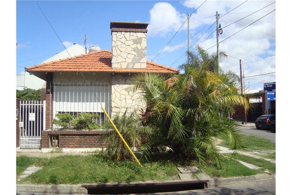 casa venta lomas del mirador 3 amb. patio garaje