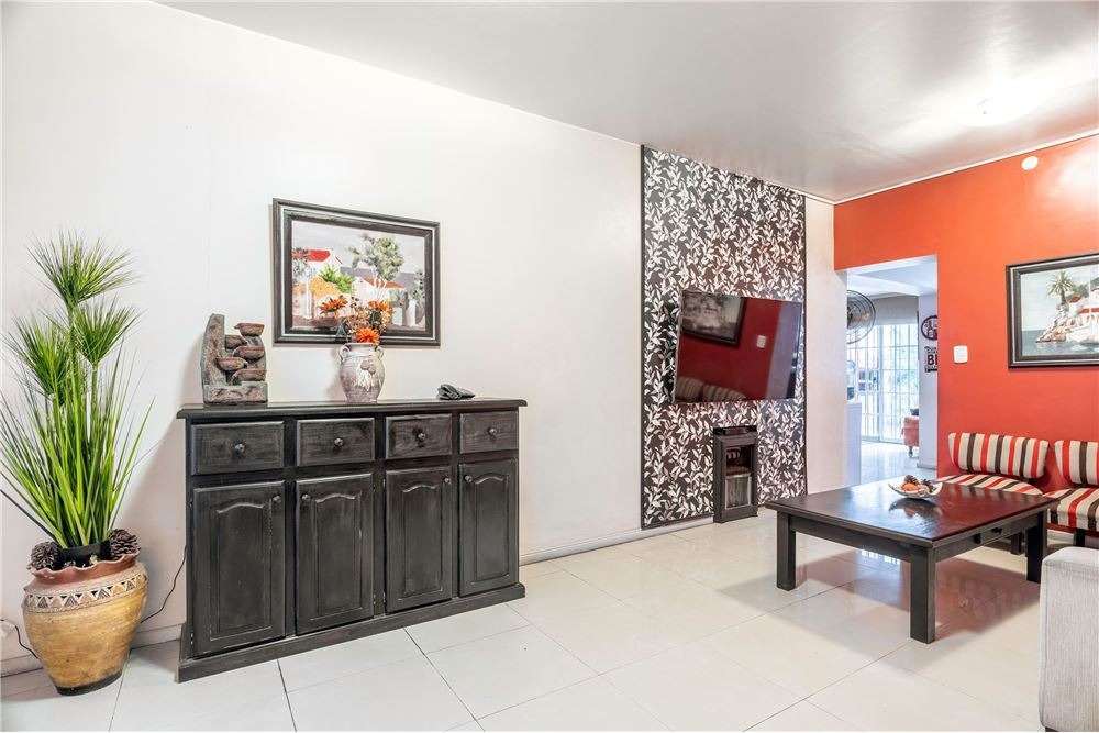 casa venta mataderos  barrio naon 5 amb + playroom