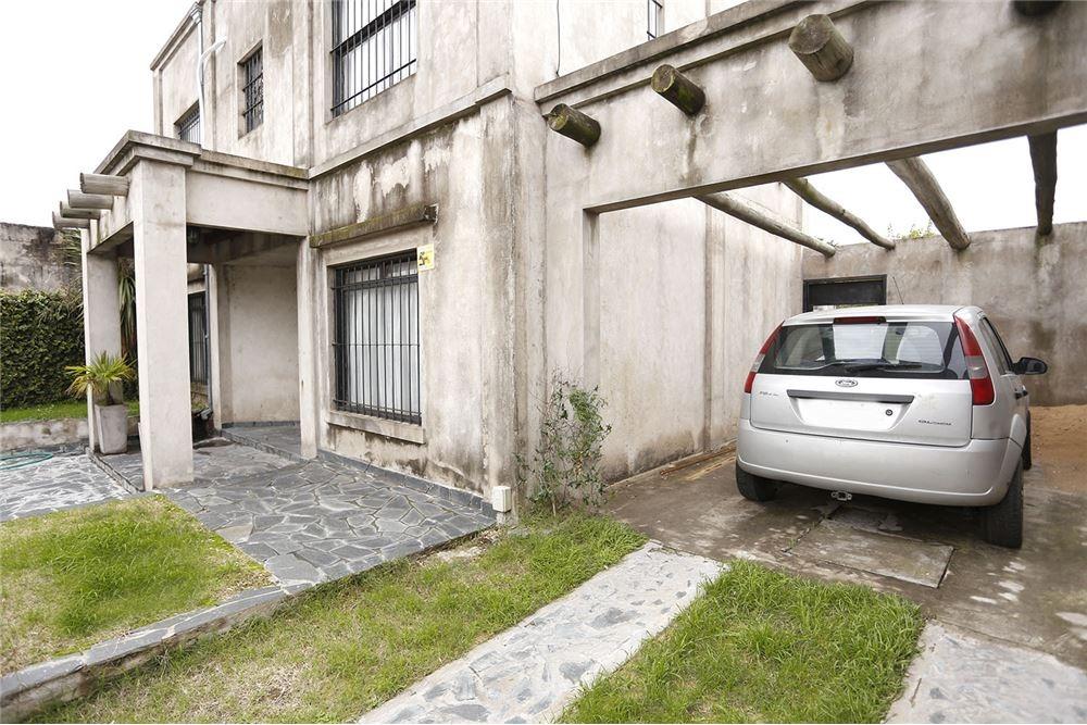 casa venta moron 5 ambientes parque y cochera