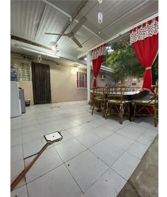 casa venta o permuta 3 amb c/2 locales  merlo