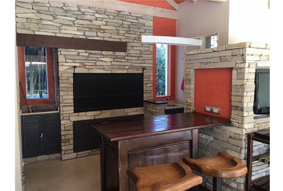 casa venta pileta y cava mayling