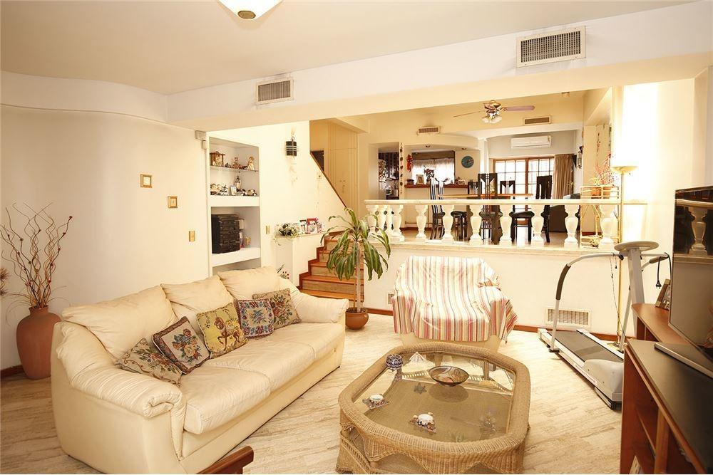 casa venta zona villa lugano, excepcional!