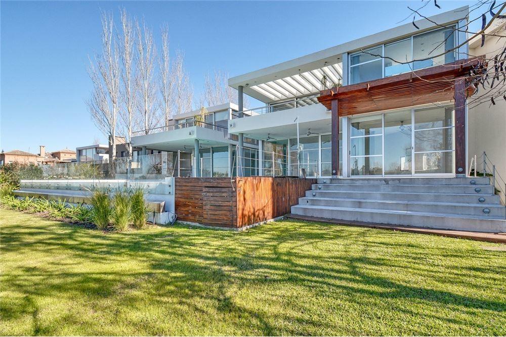 casa, venta,divina! sobre laguna.