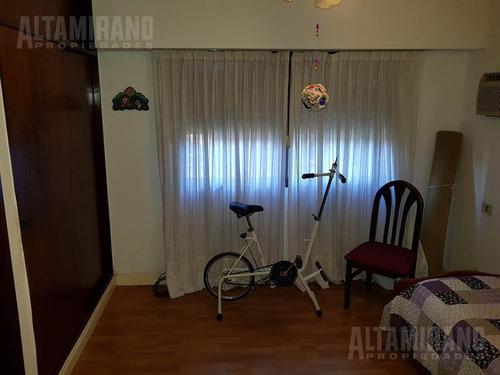 casa - villa adelina - zona residencial, impecable!