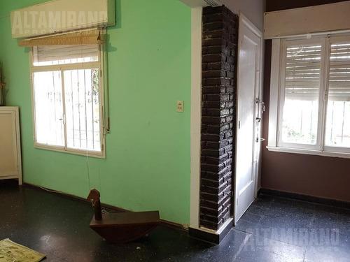 casa - villa ballester, casa cuatro ambientes, zona centro!
