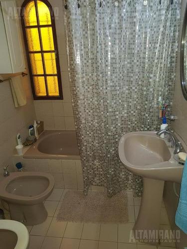 casa - villa ballester - chalet tres ambientes, zona residencial!