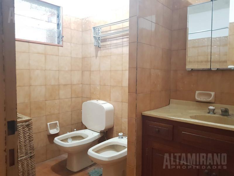 casa - villa ballester, excelente propiedad  4 ambientes 10x30!nuevo valor!!!