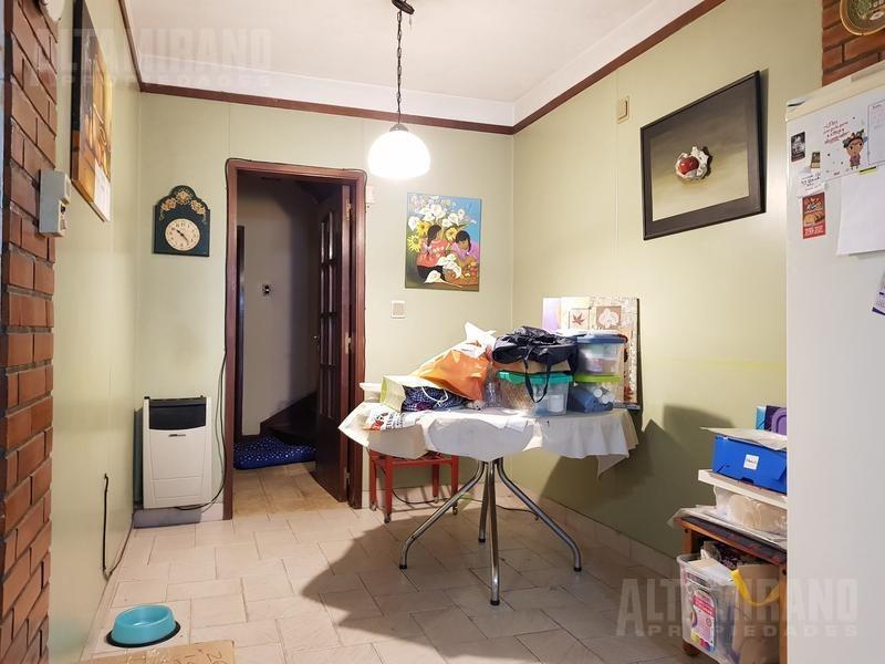 casa - villa ballester - sobre lote propio de 8.66 x 40 mts!