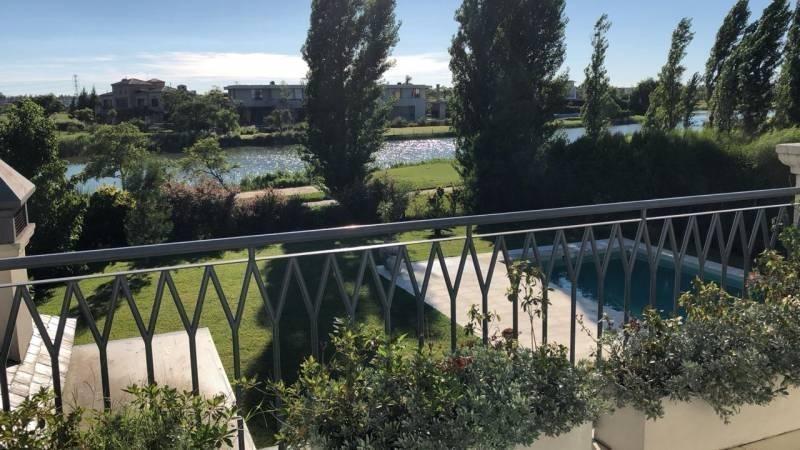 casa vistas  al golf y al lago venta o alquiler