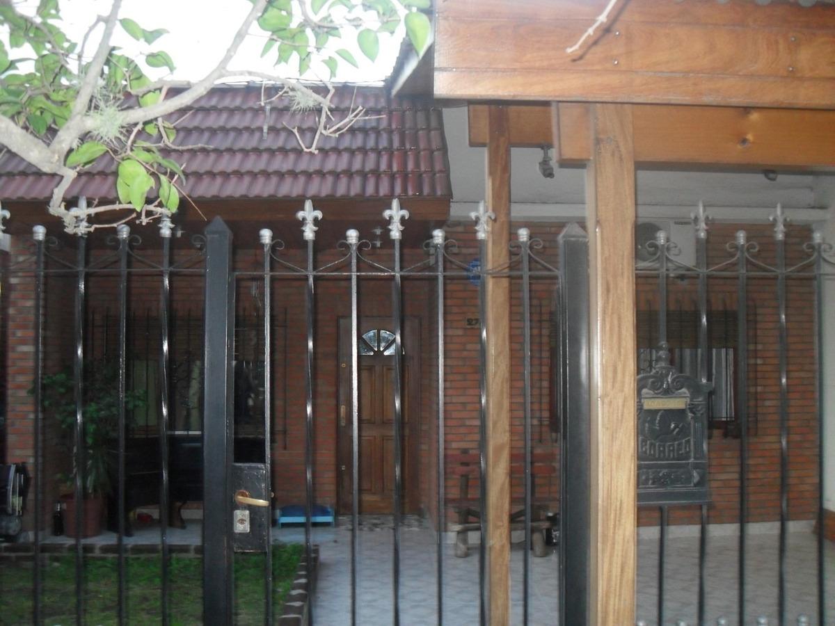 casa x 2| planta unica | dpto al fondo| 2 flias