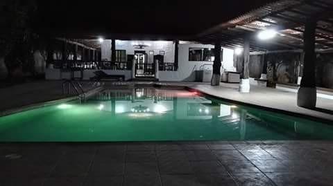 casa x día equipada en esparza con piscina y parqueo priv