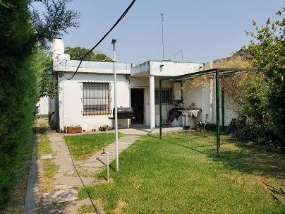 casa y departamento a 10 cuadras estación moreno