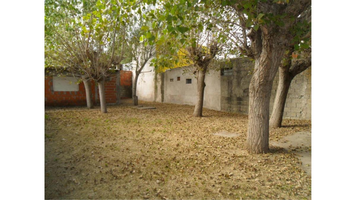 casa y departamento en av. viii e/ ix y calle 51 (cod. 886)