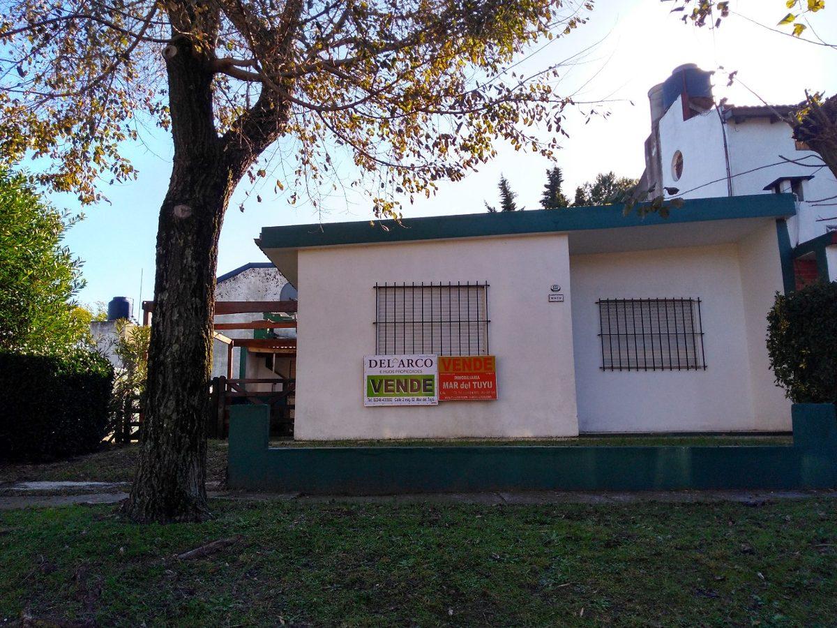 casa y depto a una cuadra de la playa - calle 86 n° 176